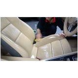 Higienização interna de automóvel no Tremembé